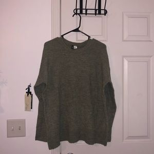 H&M pea green sweater
